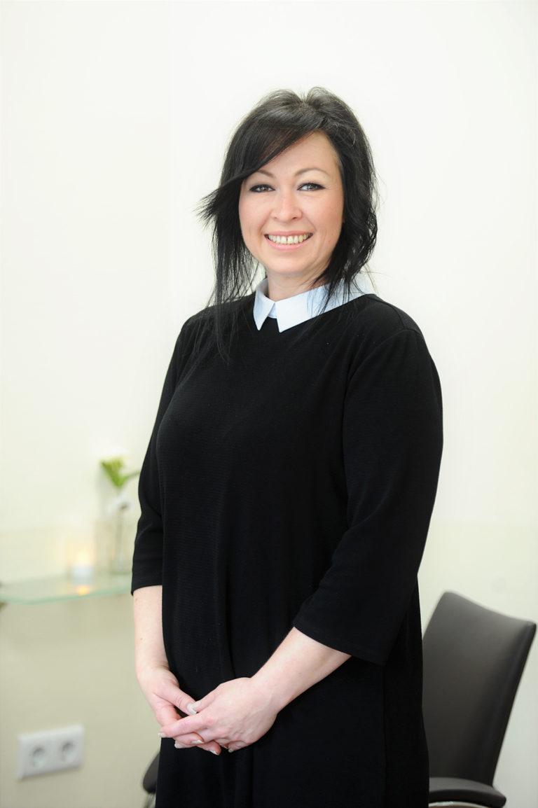 Geschäftsführerin und Stylistin Kira